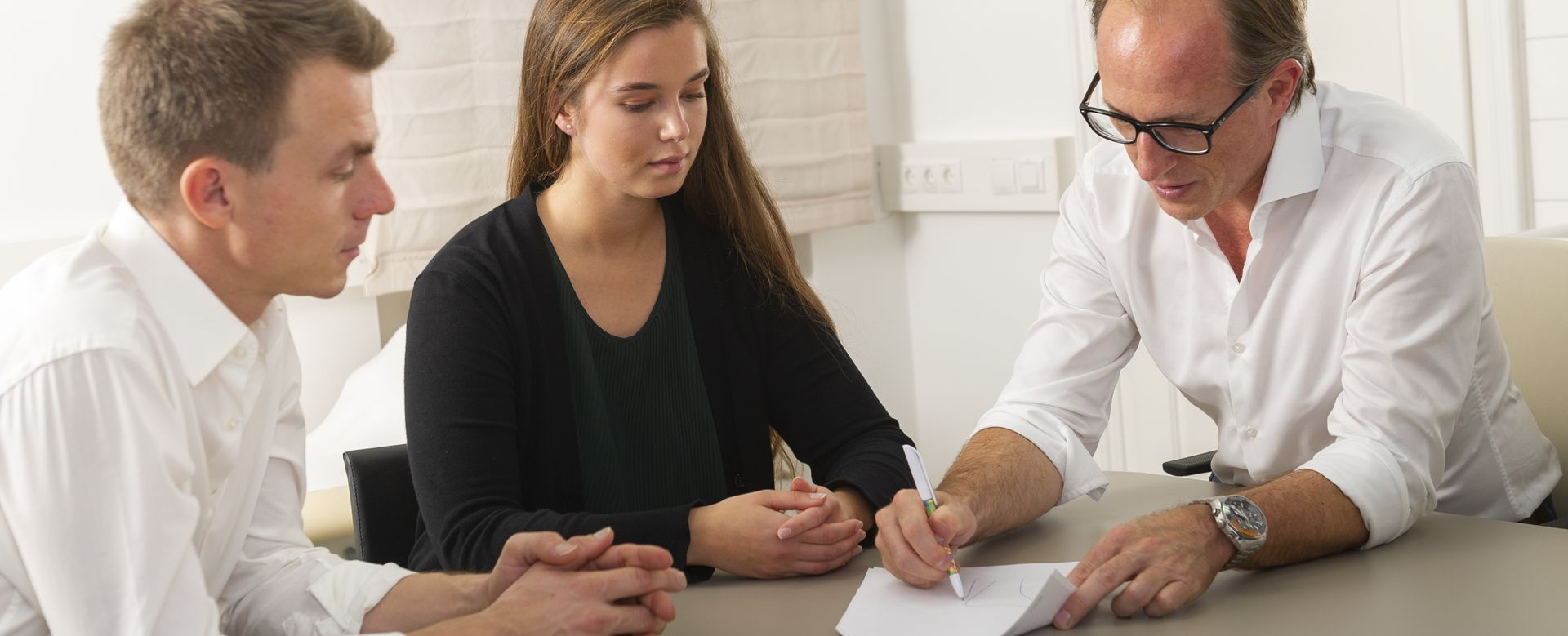 Dr. Braumüller und Dr. Kuttnigg, kompetente Beratung bei Hand-Schulter Problemen